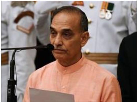 یک وزیر هندی: مردان با زنانی که شلوار جین میپوشند ازدواجنمیکنند!
